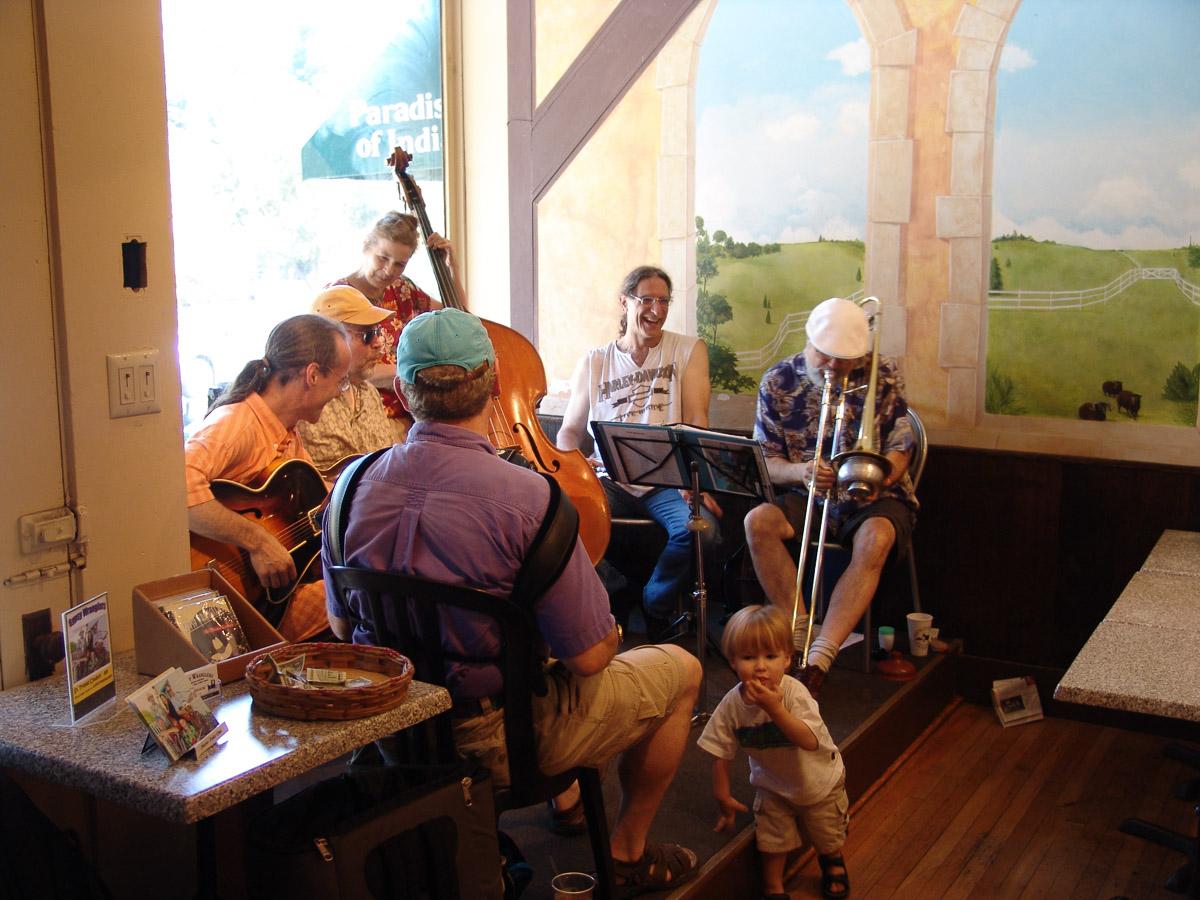 Sunday Condert in a Café 16.7.2006 © Dr. Oda Cordes